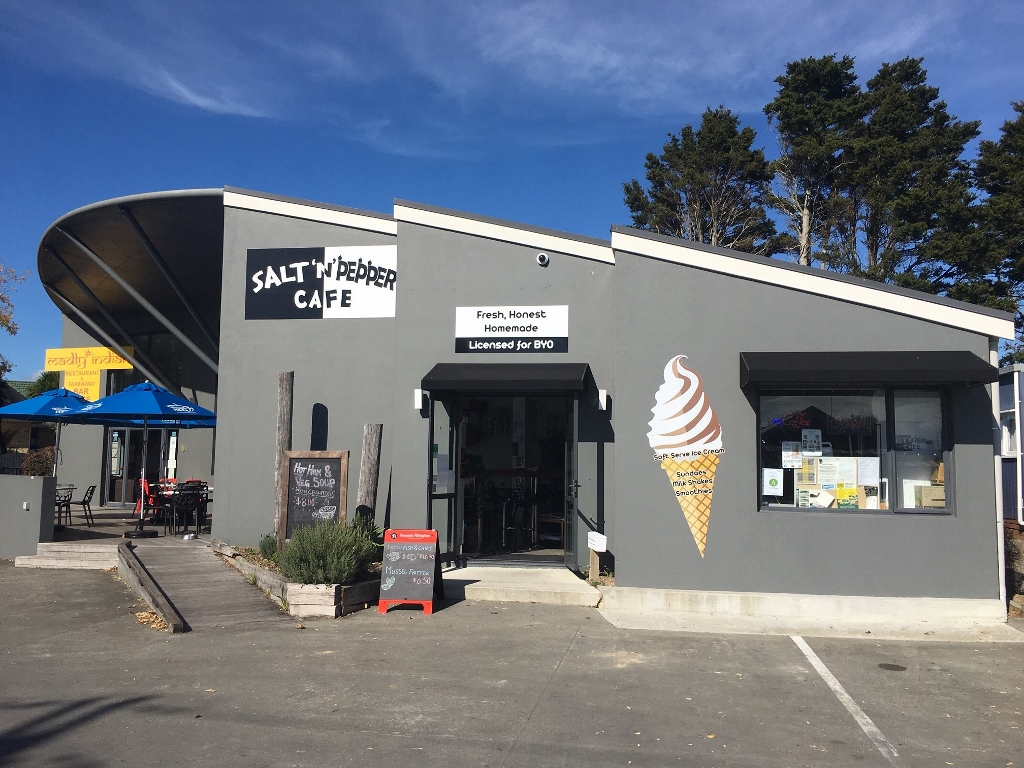 Salt n' Pepper Cafe in Waipu – spice up your life!